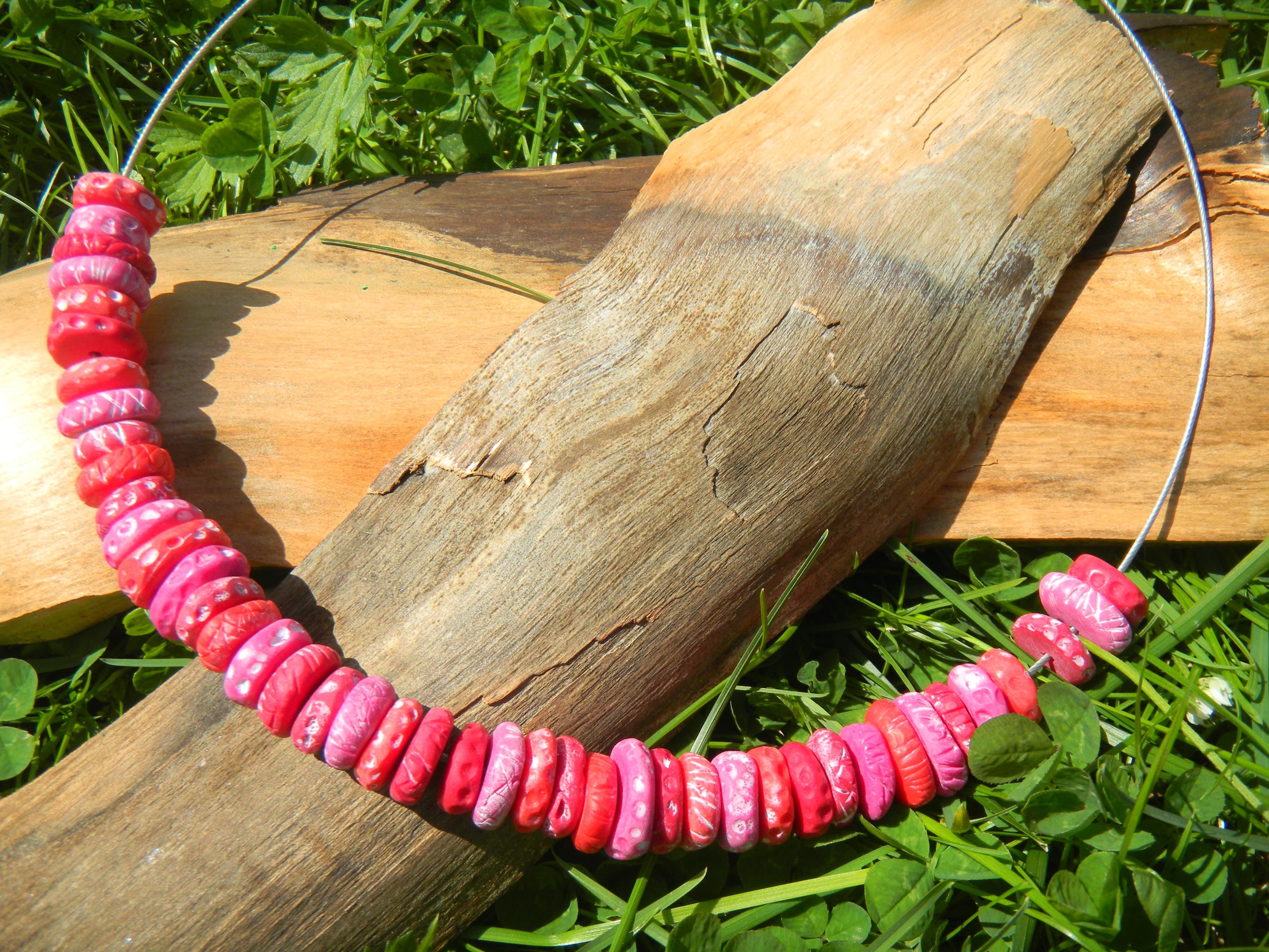 Louise.h bijoux collier rose petites perles
