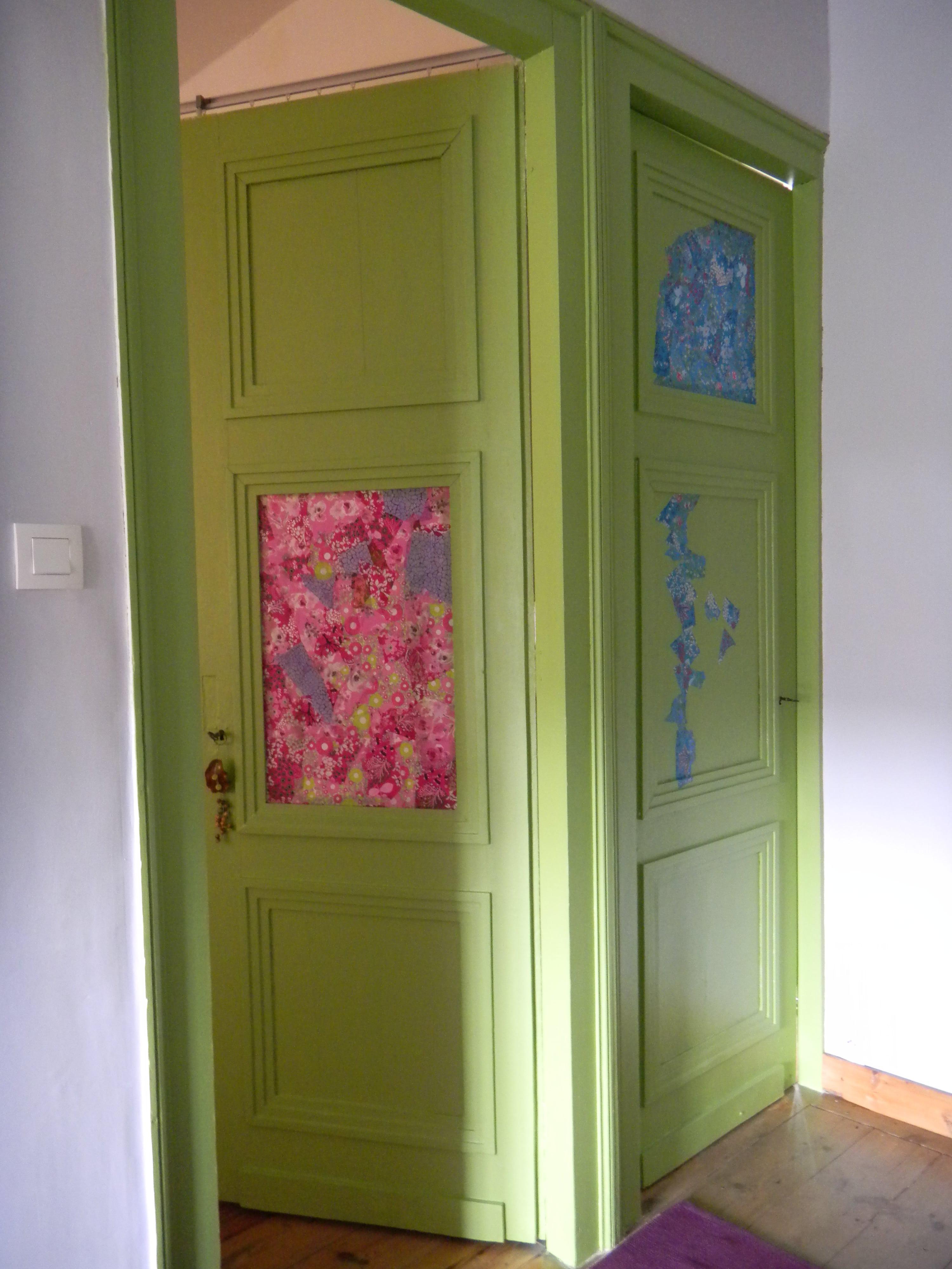 Louise.h décoration portes peintes et papiers collés