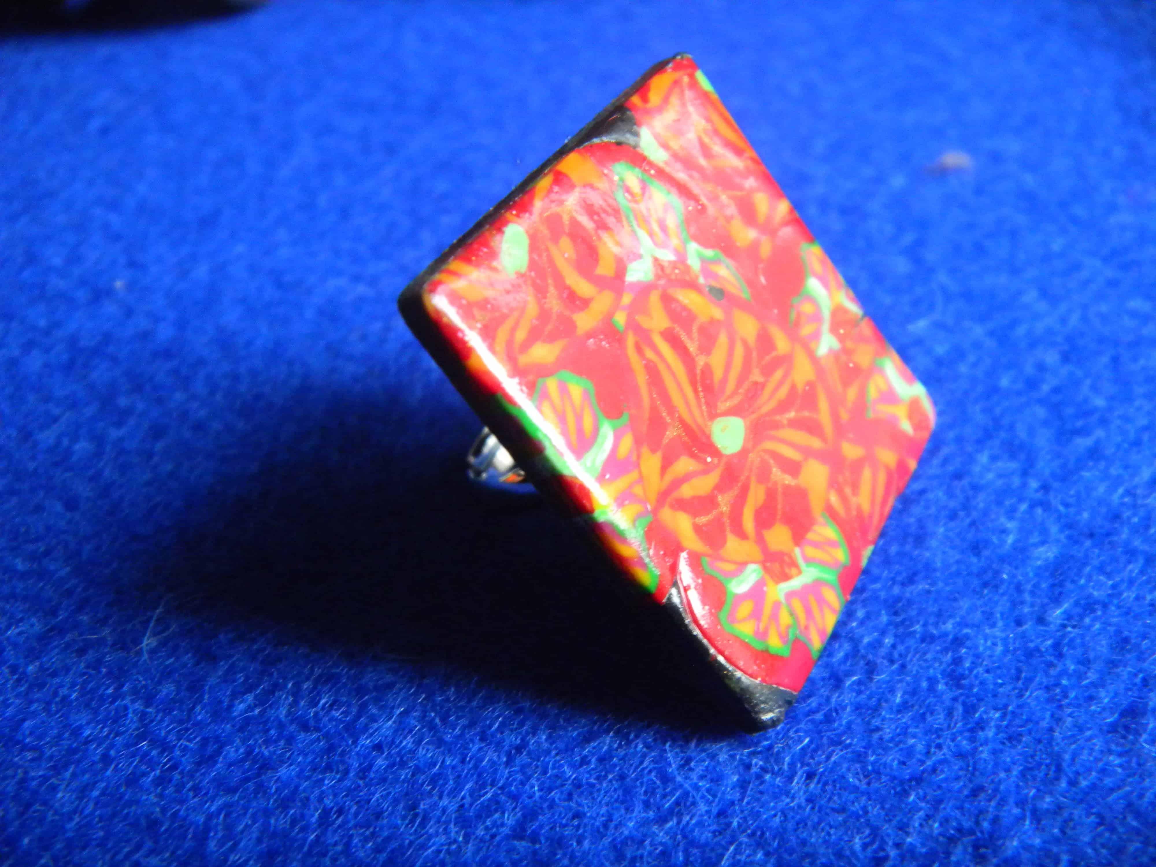 Louise.h bijoux bague motifs fleurs rouge en polymère