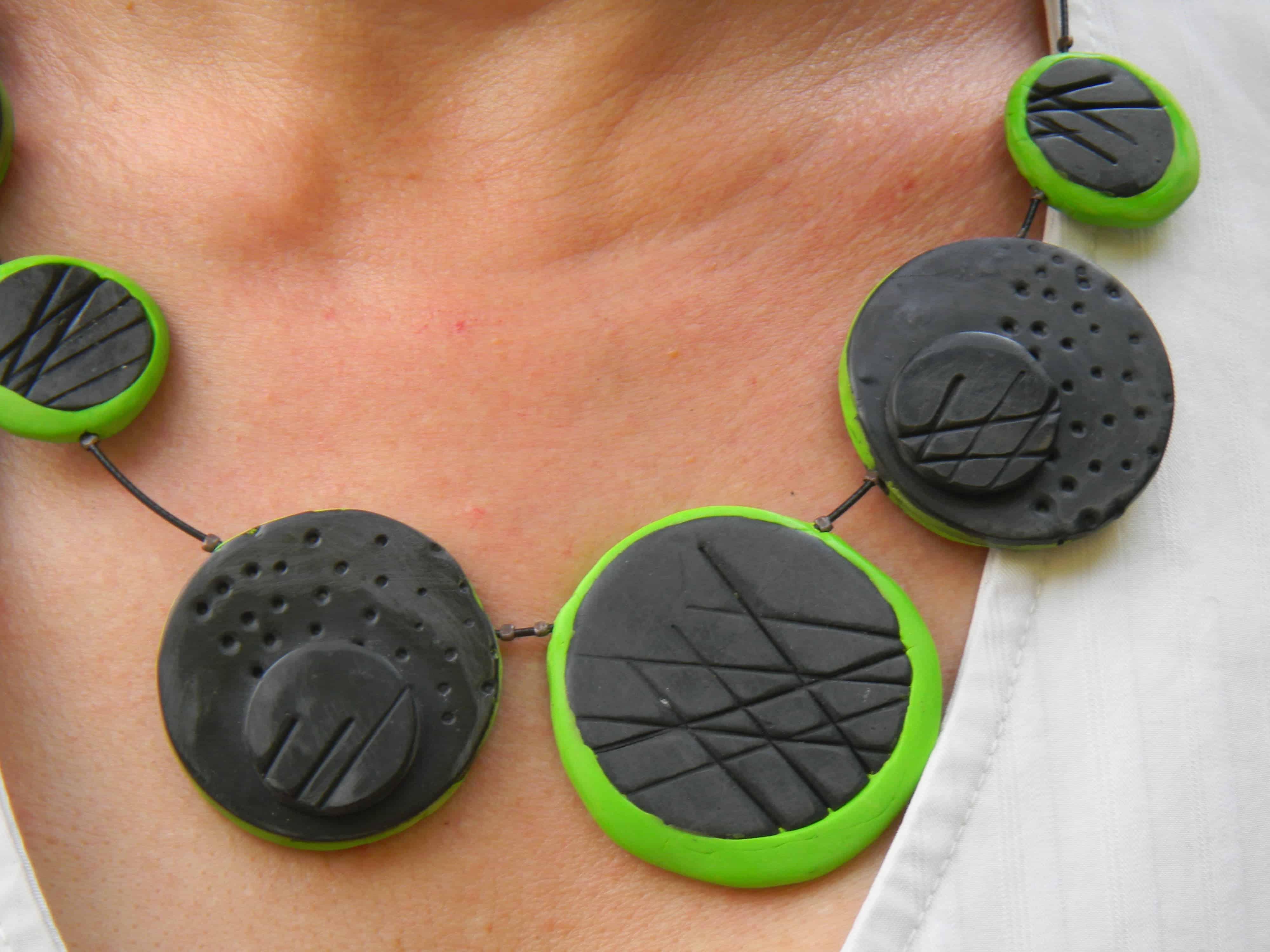 Louise.h bijoux collier noir et vert en polymère