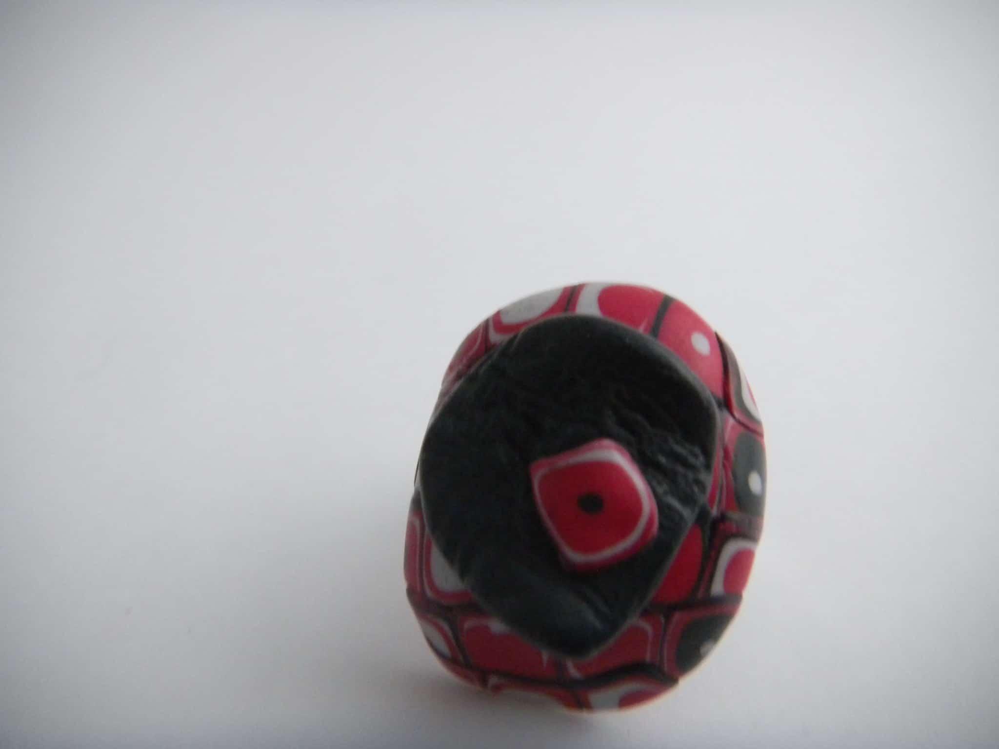Louise.h bijoux Bague noire et rouge