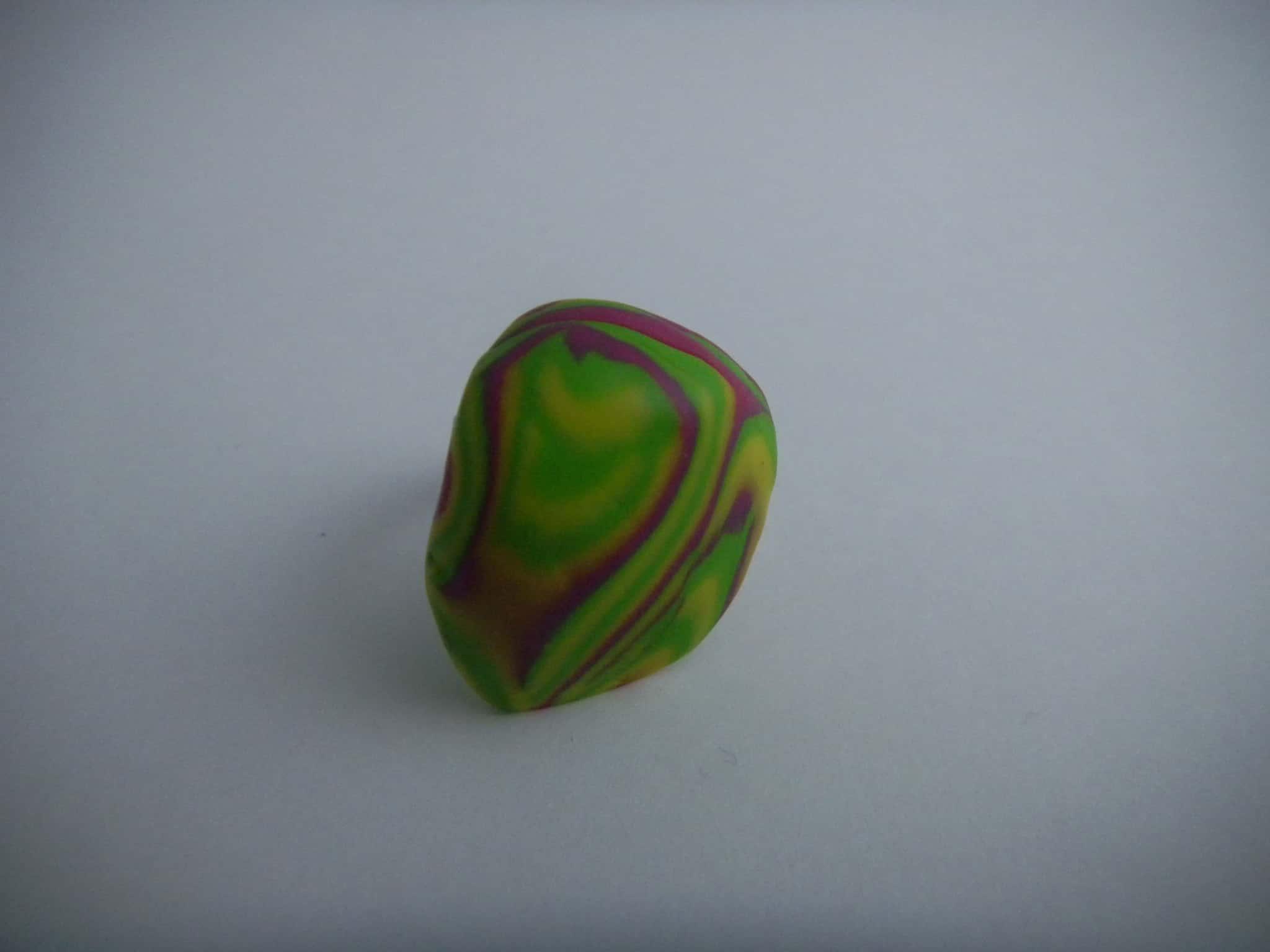 Louise.h bijoux Bague polymère verte et rose