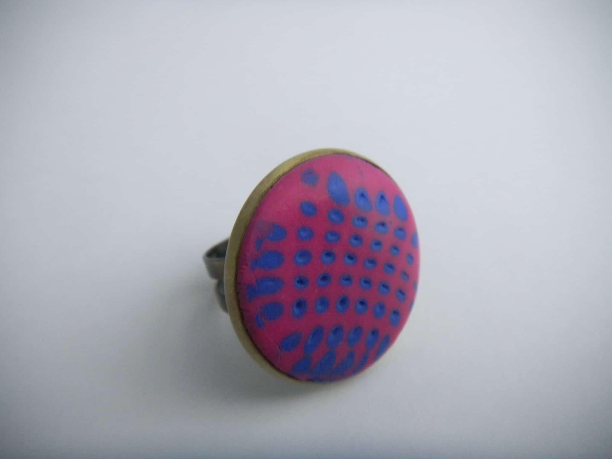 Louise.h bijoux bague en polymère rose et bleue