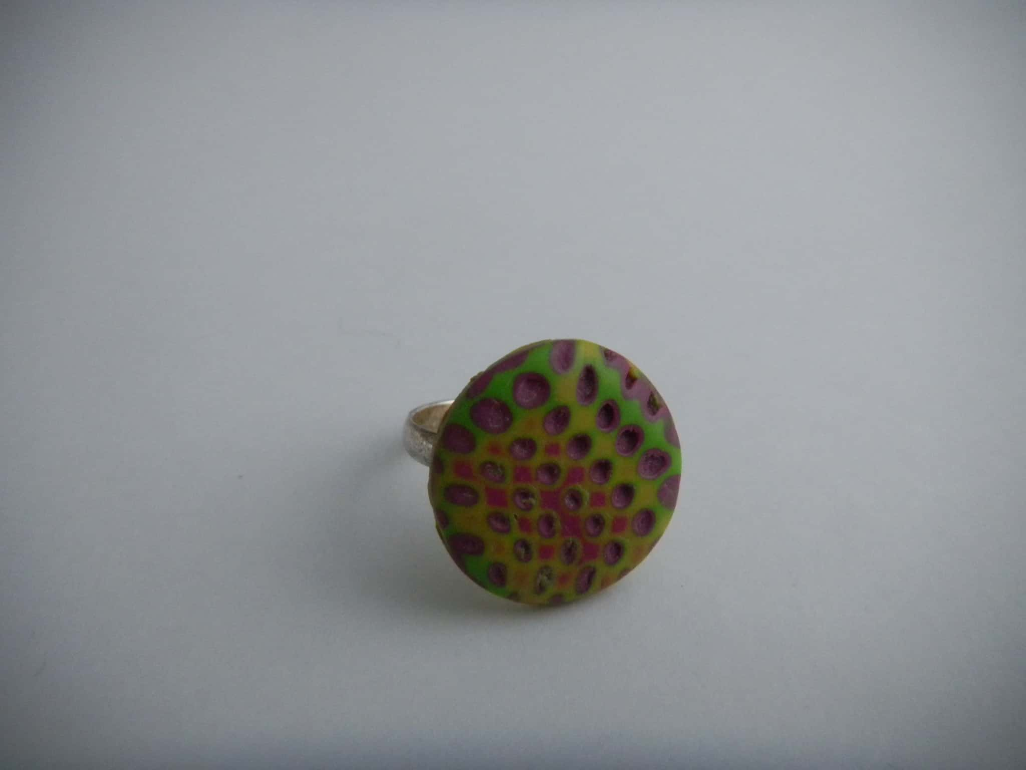 Louise.h bijoux bague polymère jaune rose verte