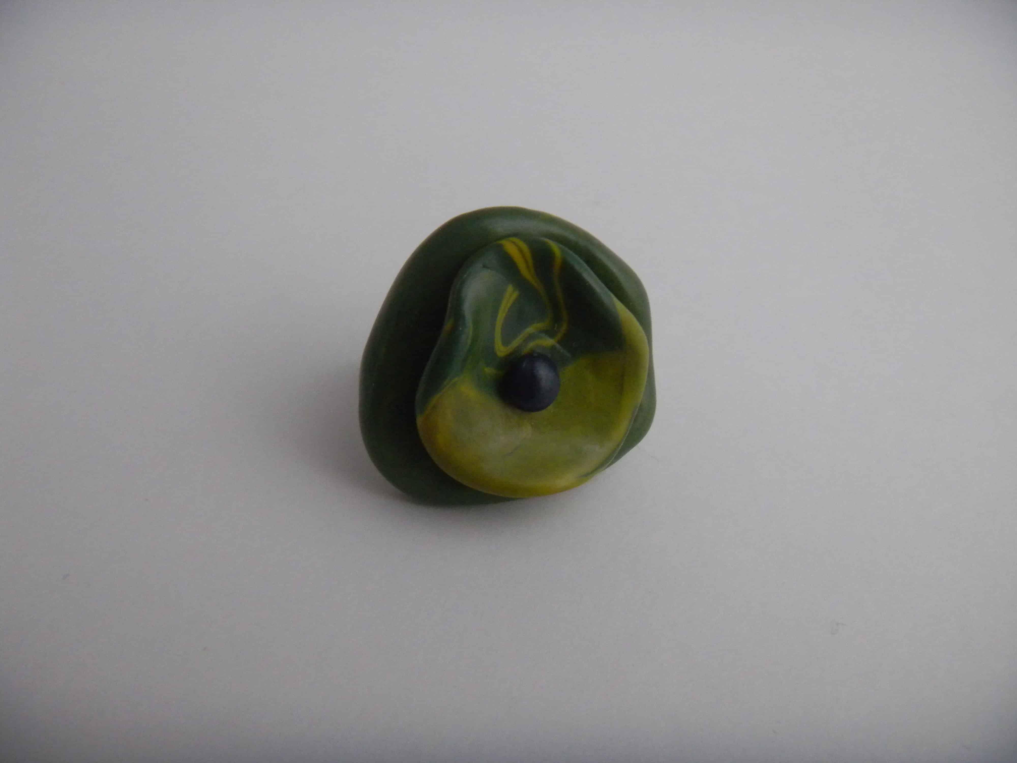 Louise.h bijoux bague polymère verte et bleu face 2