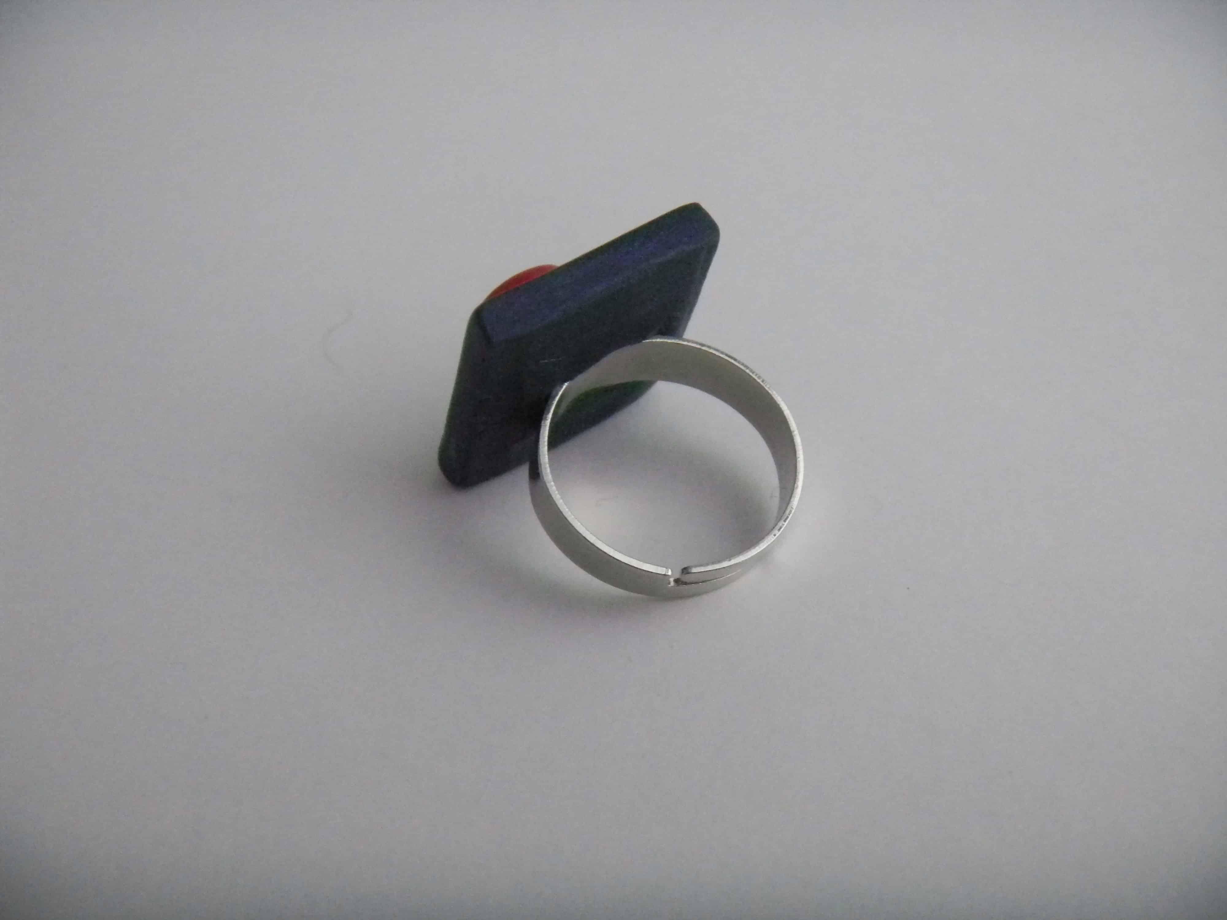 Louise.h bijoux boucles d'oreilles carré bleu et rouge dos