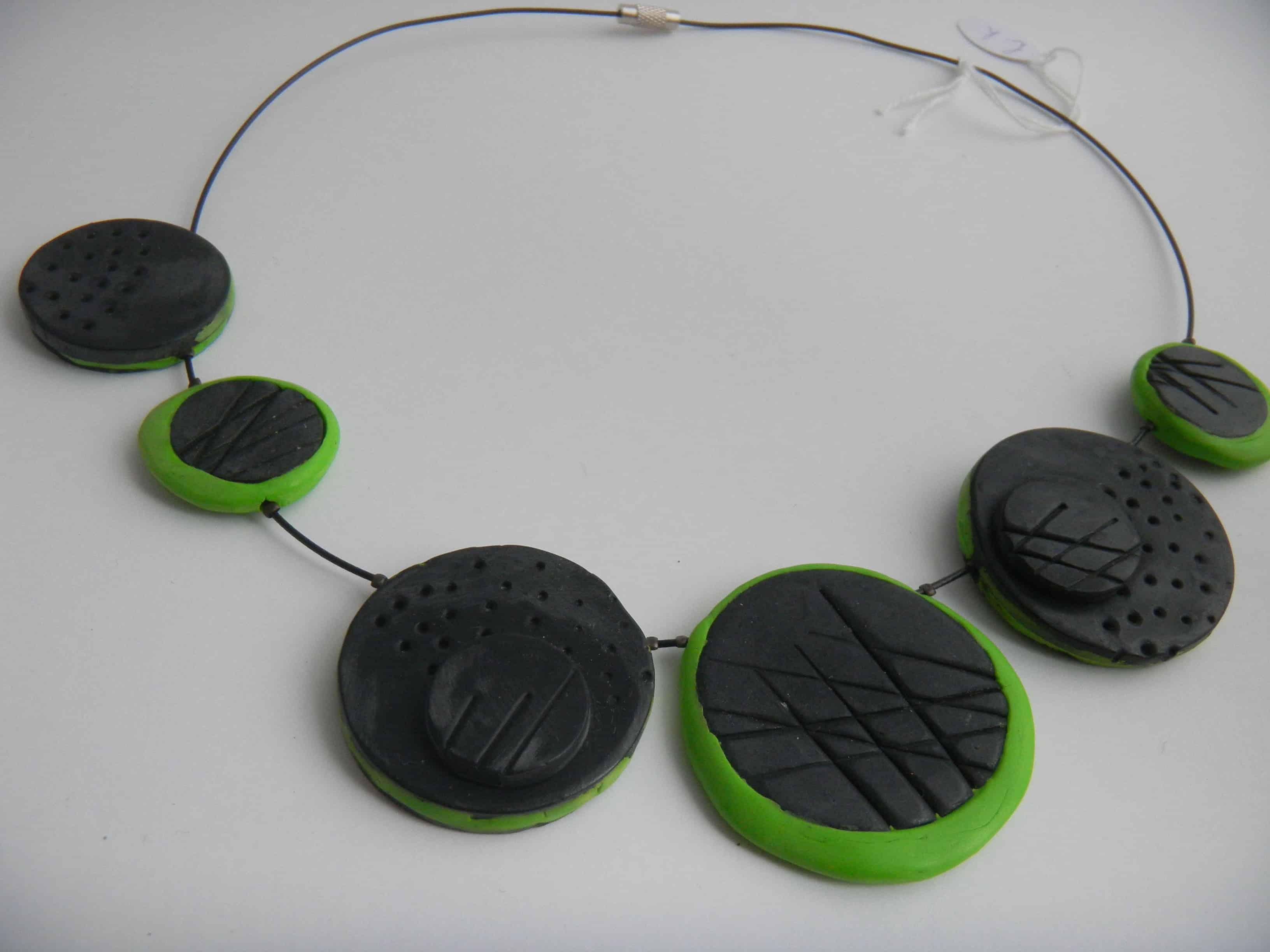 Louise.h bijoux collier noir et vert
