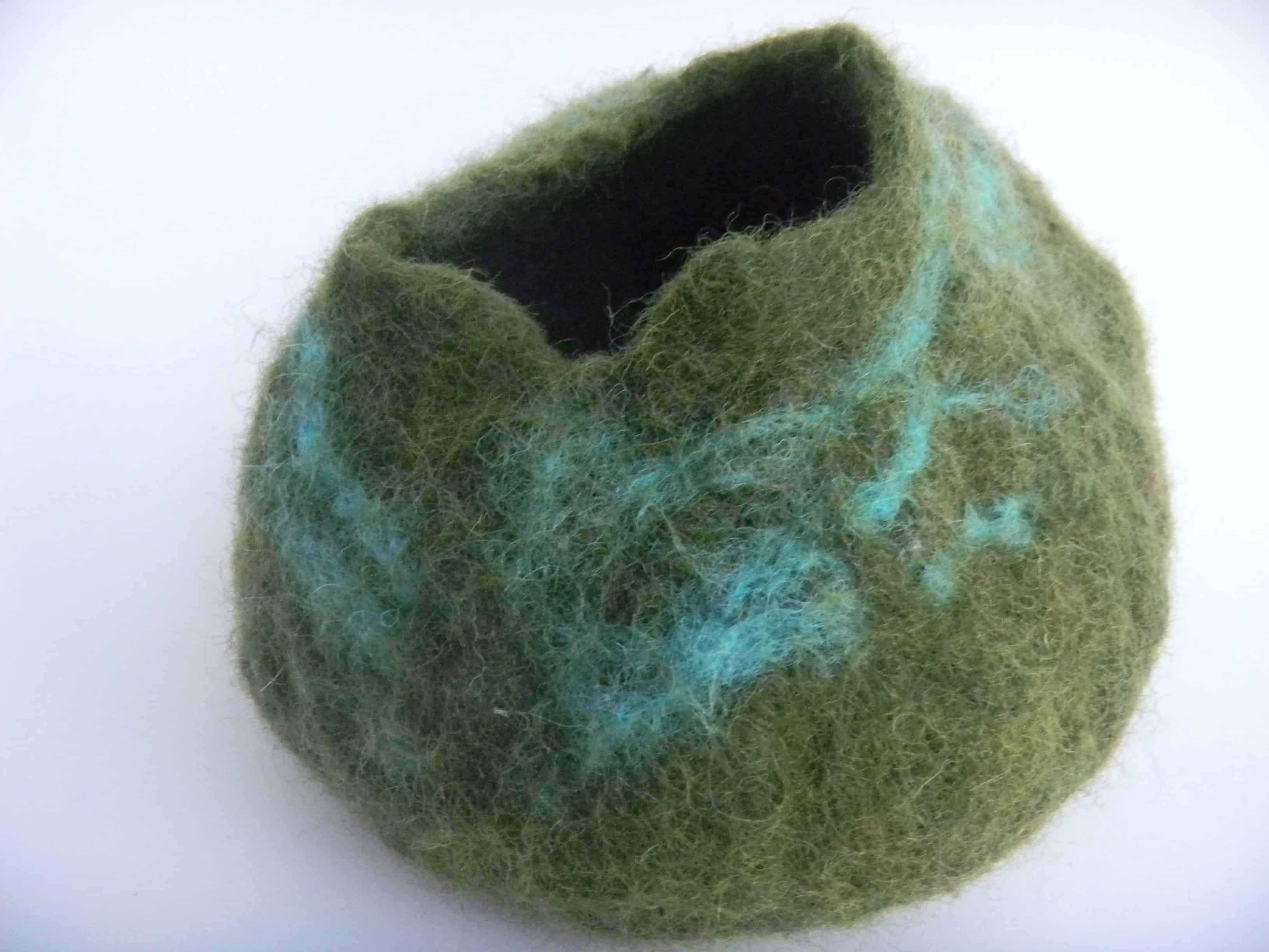 Louise.h décoration pot laine feutrée vert 2