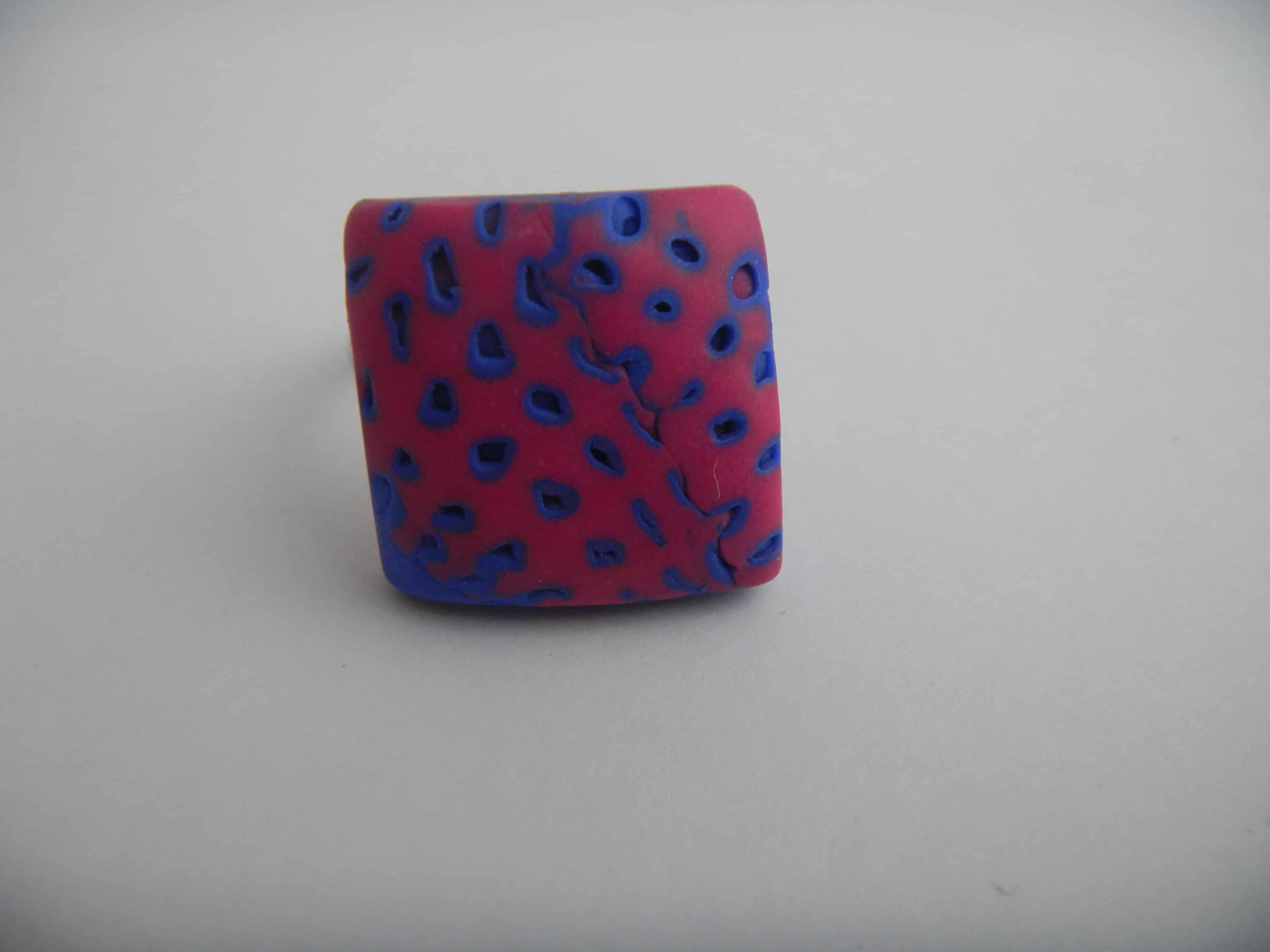 Louise.h bijoux bague bleue rose carré face