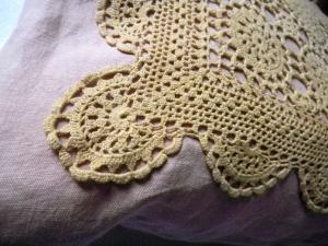 Louise .h décoration coussin crochet teint naturel détail