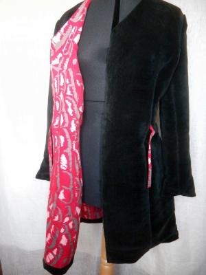 Louise.h vêtement manteau velours noir détail doublure