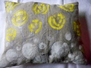 Louise.h décoration coussin peint à la main